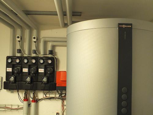 Villa con riscaldamento e produzione di ACS con caldaia a legna e solare termico - 6