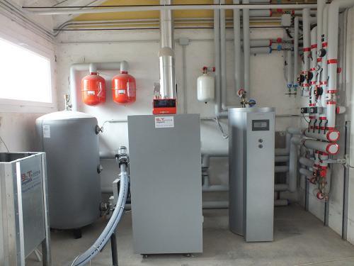 Centrale termica per riscaldamento e produzione ACS con caldaia a pellet e solare termico per laboratorio artigianale con abitazione annessa - 3