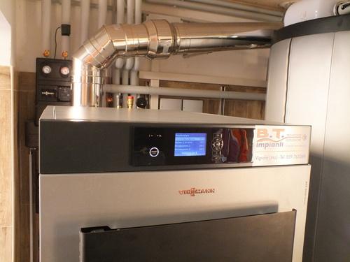 Riqualificazione impianti in Villa bifamiliare con impianto di riscaldamento e produzione di ACS con caldaia a legna, solare termico e pompa di calore - 9