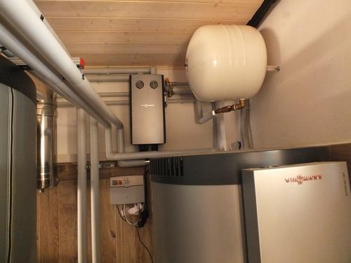 Riqualificazione impianti in Villa bifamiliare con impianto di riscaldamento e produzione di ACS con caldaia a legna, solare termico e pompa di calore - 3