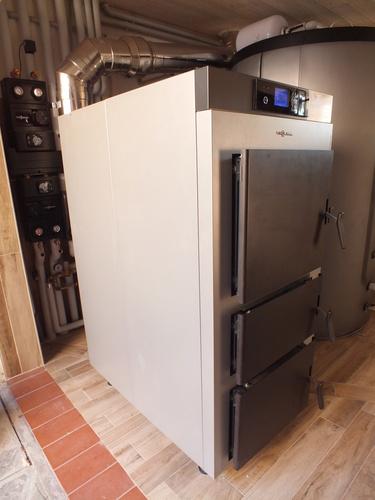 Riqualificazione impianti in Villa bifamiliare con impianto di riscaldamento e produzione di ACS con caldaia a legna, solare termico e pompa di calore - 10